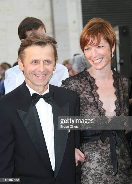 Mikhail Baryshnikov and Lisa Rinehart during Madama Butterfly Opening Night Starting the Lincoln Center Metropolitan Opera 20062007 Season at Lincoln...