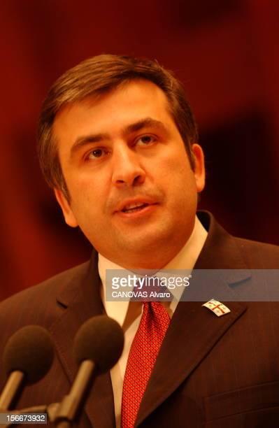 Mikhail Saakashvili New President Of Georgia Le nouveau président géorgien Mikhaïl SAAKACHVILI en visite à STRASBOURG plan de face prononçant un...