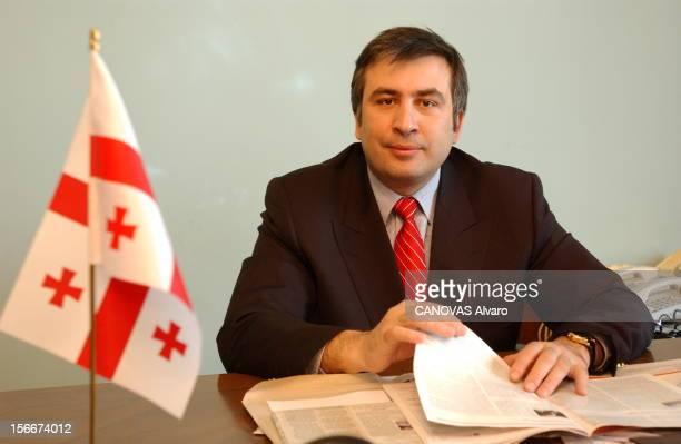 Mikhail Saakashvili New President Of Georgia Rendezvous avec Mikhaïl SAAKACHVILI 36 ans nouveau président de la GEORGIE dans son bureau de l'ancienne...