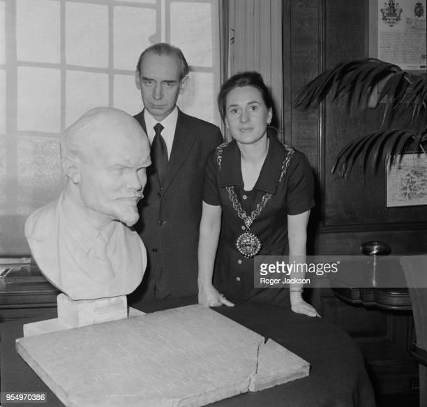 Mikhail Smirnovsky the Soviet Ambassador to the UK unveils a bust of Lenin from Councillor Patsy Bradbury the Mayor of Islington at Islington Town...