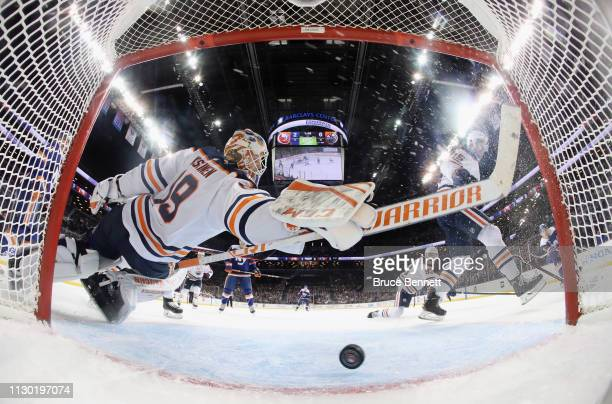 Mikko Koskinen of the Edmonton Oilers makes the second period save against the New York Islanders at the Barclays Center on February 16 2019 in the...