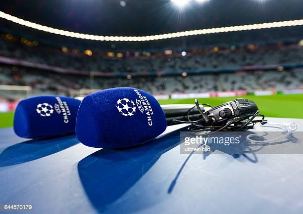 Mikrofone mit dem UEFA Champions League Logo vor dem UEFA Champions League 1/4 Finale Rueckspiel FC Bayern Muenchen gegen Schachtar Donezk in der...