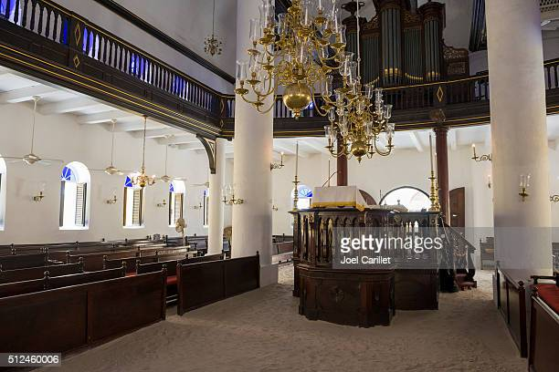 mikve israel-emanuel synagogue in willemstad, curacao - synagoga bildbanksfoton och bilder