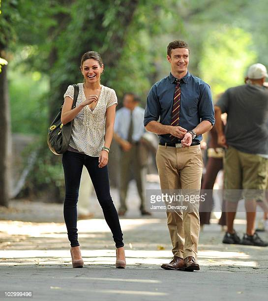 """Mila Kunis and Justin Timberlake on location for """"Friends With Benefits"""" on 5th Avenue on July 20, 2010 in New York City."""
