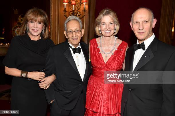 Mila Mulroney Frank Stella The Hon Hilary M Weston and David Mirvish attend the Council for Canadian American Relations Gala at The Metropolitan Club...