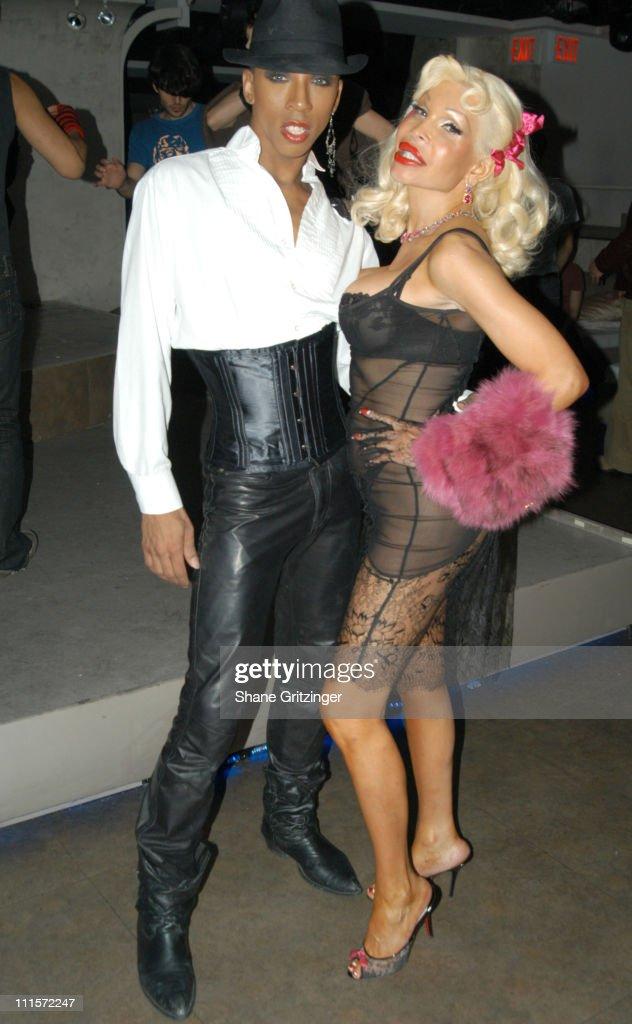 Amanda Lepore and Richie Rich Host Distortion Disko - November 17, 2005 : News Photo