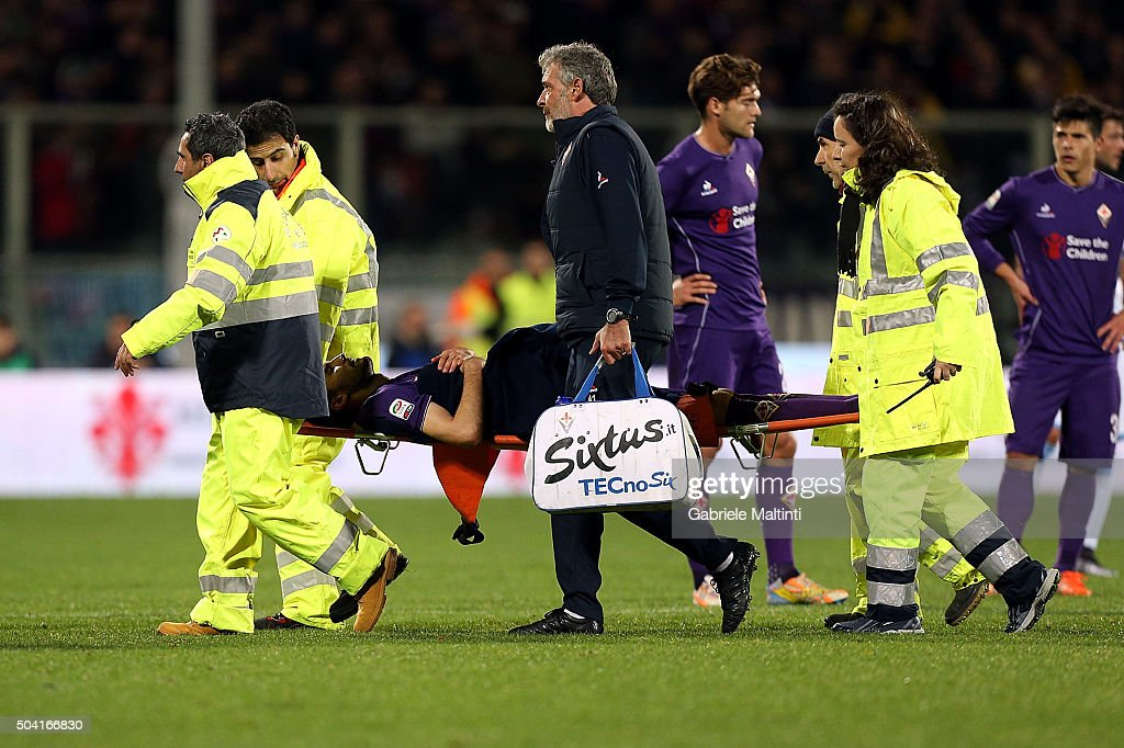 Milan Badel of ACF Fiorentina out of the field because of injury during the Serie A match between ACF Fiorentina and SS Lazio at Stadio Artemio Franchi on January 9, 2016 in Florence, Italy.