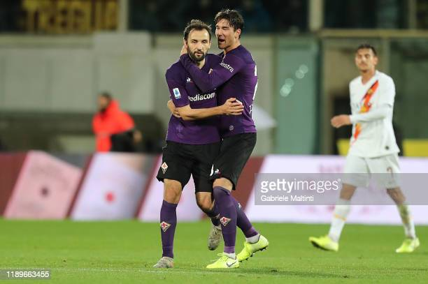 Milan Badelj of ACF Fiorentina celebrates after scoring a goal during the Serie A match between ACF Fiorentina and AS Roma at Stadio Artemio Franchi...