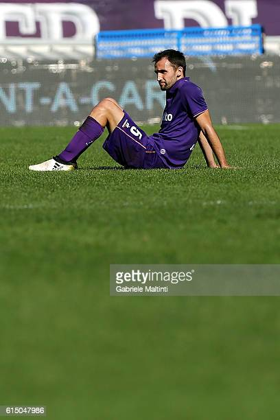 Milan Badelj of ACF Fiorentina sits on the pitch during the Serie A match between ACF Fiorentina and Atalanta BC at Stadio Artemio Franchi on October...