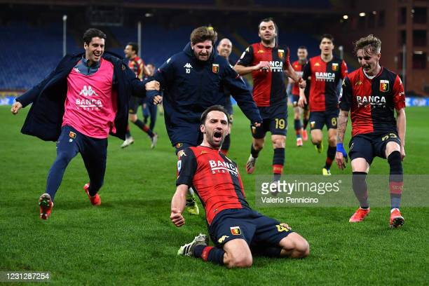 Milan Badelj of Genoa CFC celebrates after scoring the second goal of his team with team mates during the Serie A match between Genoa CFC and Hellas...