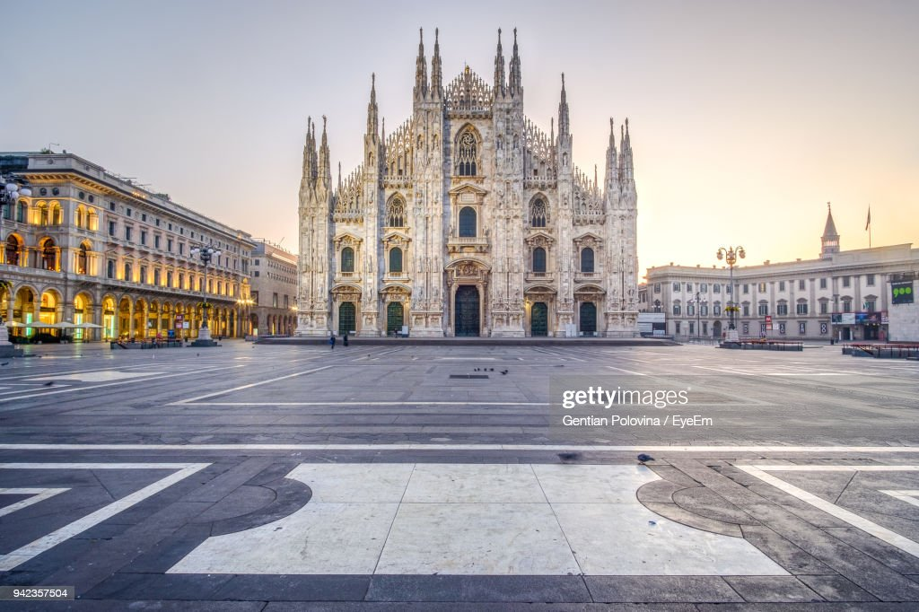 Milan Cathedral Against Sky During Sunset : Stock-Foto