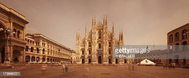 Cattedrale di Milano e del di Piazza Duomo panorama