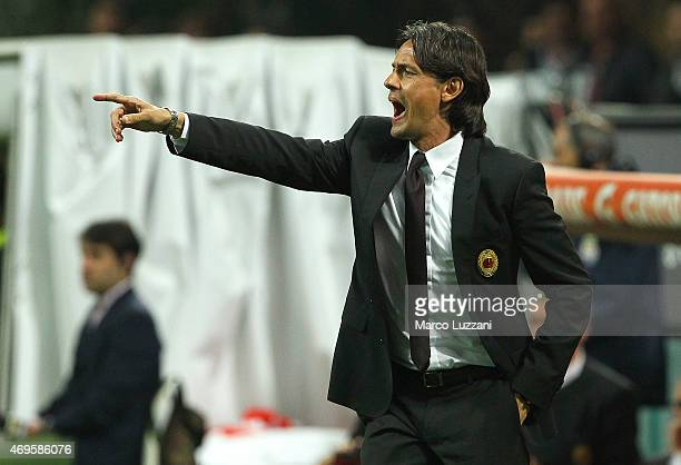 Milan coach Filippo Inzaghi shouts to his players during the Serie A match between AC Milan and UC Sampdoria at Stadio Giuseppe Meazza on April 12...