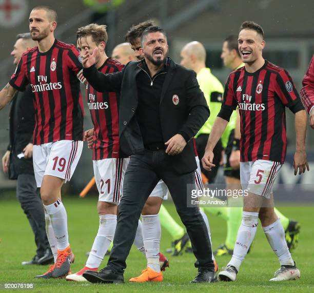 Milan coach Ivan Gennaro Gattuso celebrates the victory with AC Milan players at the end of the serie A match between AC Milan and UC Sampdoria at...