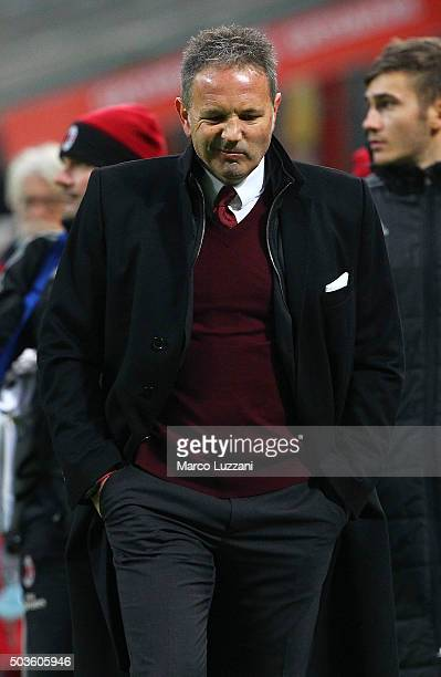 Milan coach Sinisa Mihajlovic shows his dejection at the end of the Serie A match between AC Milan and Bologna FC at Stadio Giuseppe Meazza on...