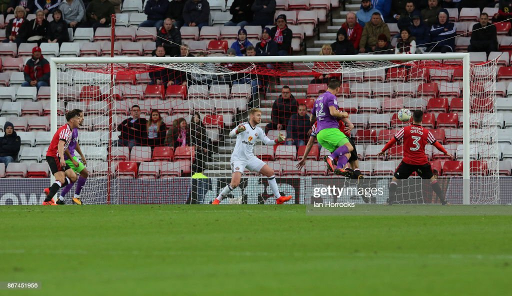 Milan Djuric scores the second Bristol goal during the Sky Bet Championship match between Sunderland and Bristol City at Stadium of Light on October 28, 2017 in Sunderland, England.