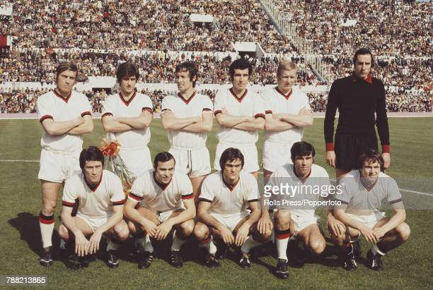 AC Milan Football Club squad players posed together prior to a Serie A match with AS Roma at the Stadio Olimpico in Rome Italy on 8th April 1972 The...
