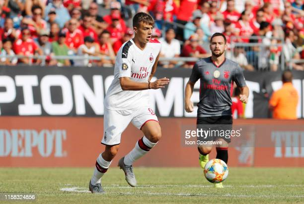 Milan forward Daniel Maldini carries the ball during an International Champions Cup match between AC Milan of Italy and SL Benfica of Portugal on...