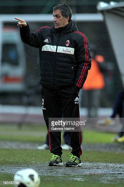Milan head coach Aldo Dolcetti gestures during the Viareggio Juvenile Cup match between AC Milan and Parma FC at Stadio Torquato Bresciani on...