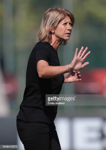 Milan head coach Carolina Morace issues instructions to her players during the Serie A match between AC Milan Women and Fiorentina Women at Campo...