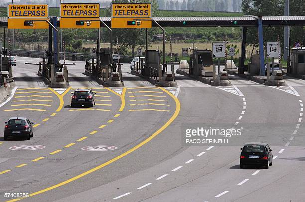 Picture in Milan on A1 highway entrance in direction of Naples 24 April 2006 The announced 23 April 2006 merger of Italian highway group Autostrade...