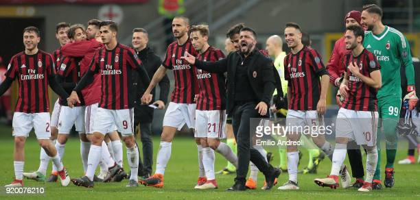 Milan players and AC Milan coach Ivan Gennaro Gattuso celebrate the victory at the end of the serie A match between AC Milan and UC Sampdoria at...