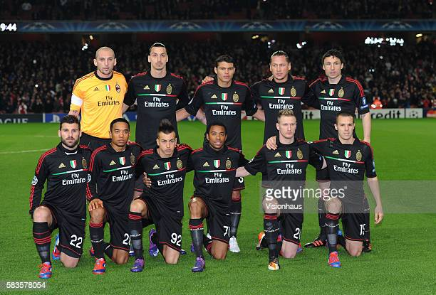 AC MIlan players pose for a team photograph before the UEFA Champions League First Knockout Round 2nd leg match between Arsenal and AC Milan at the...