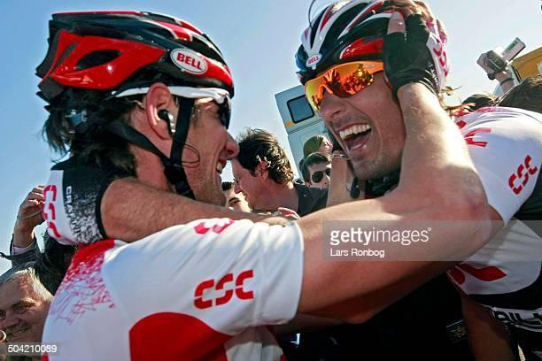 Milan - San Remo - Fabian Cancellara, Team CSC wins the stage - left Frank Schleck © Frontzonesport.dk