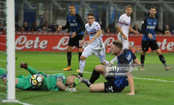 Milan Skriniar of FC Internazionale Milano scores the opening goal during the Serie A match between FC Internazionale and UC Sampdoria at Stadio...