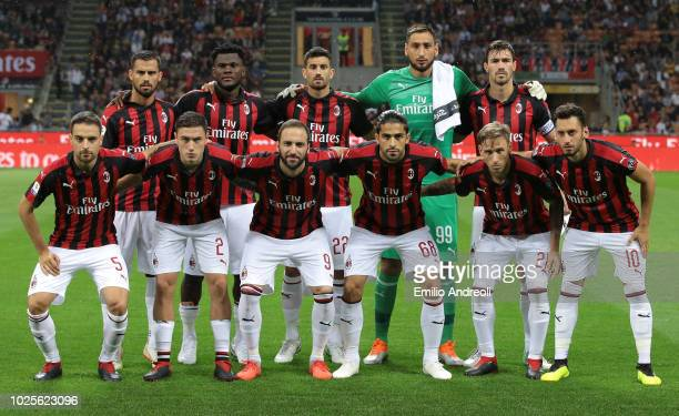 Milan team line up prior to the serie A match between AC Milan and AS Roma at Stadio Giuseppe Meazza on August 31 2018 in Milan Italy