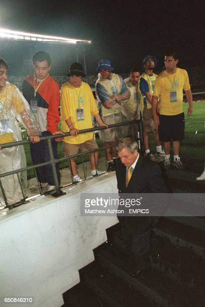 Milan Zivadinovic Al Nassr managers leaves the pitch in a dejected mood after losing their final game 20 to Corinthians