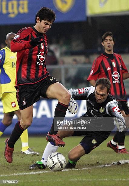 Milan's Brazilian midfielder Kaka vies with Chievo Verona's goalkeeper Luca Marchegiani, during their Italian serie A football match at Bentegodi...