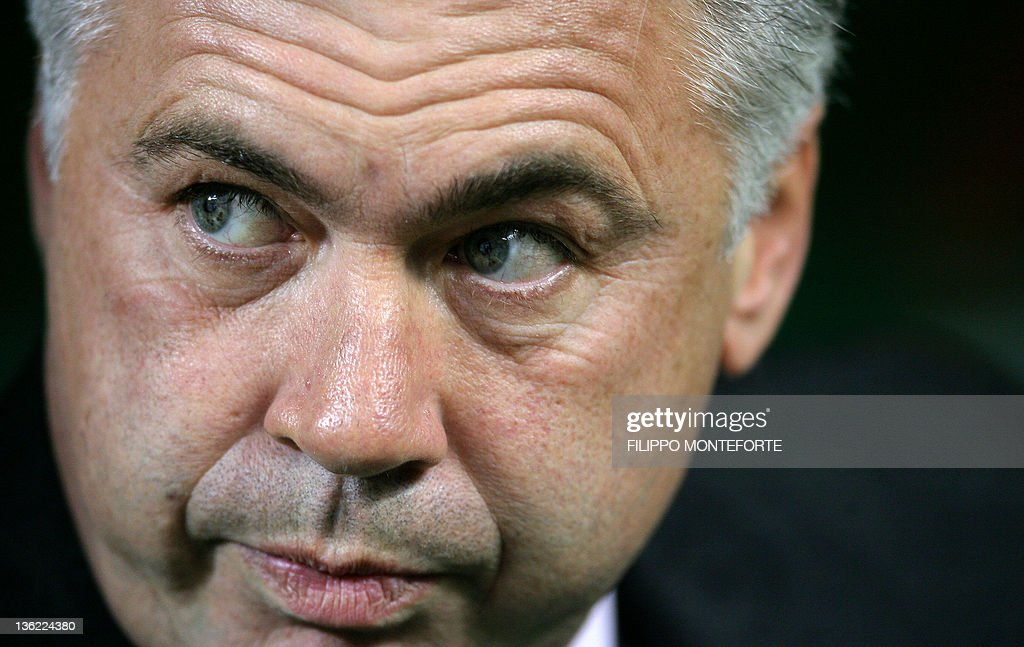AC Milan's coach Carlo Ancellotti looks on, prior his Italian serie A football match against AS Roma at Milan's San Siro stadium, 11 November 2006. Roma won the match 2-1 while AC Milan is on its third defeate on a row .