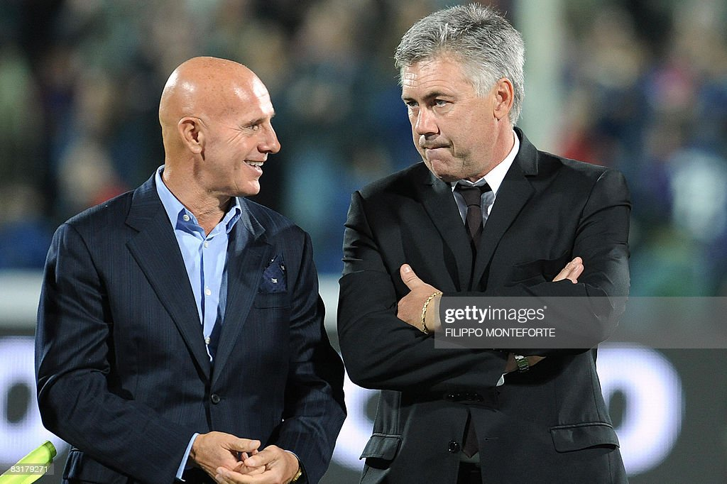 AC milan's coach Cerlo Ancellotti (R) ta : News Photo