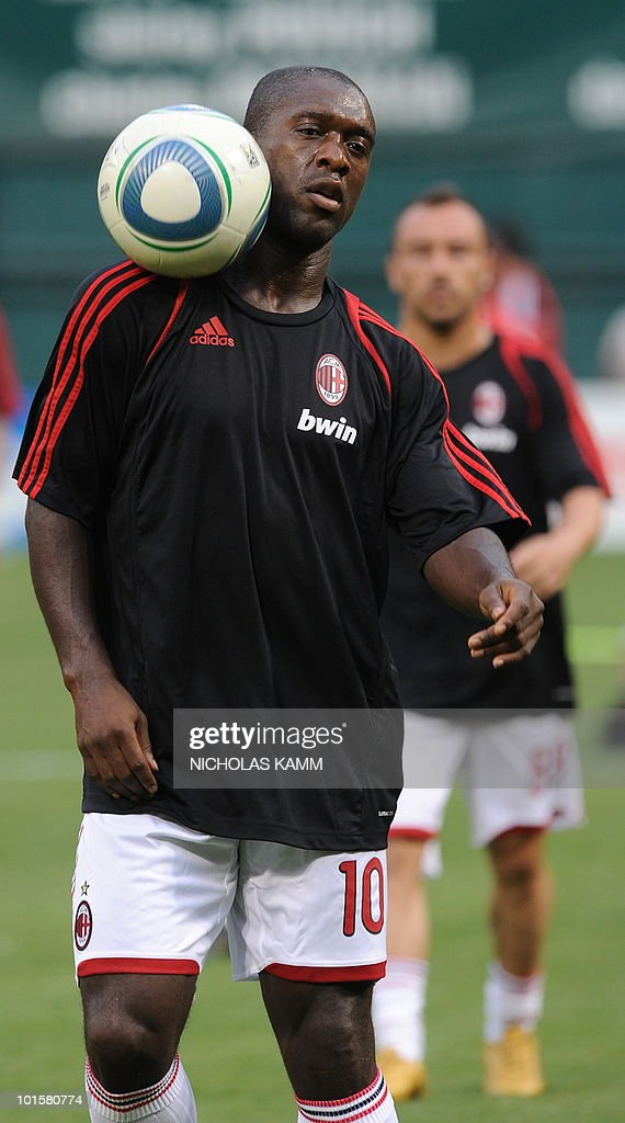 AC Milan's Dutch star Clarence Seedorf controls a ball with his shoulder before a friendly match against DC United at RFK Stadium in Washington on May 26, 2010. AFP PHOTO/Nicholas KAMM