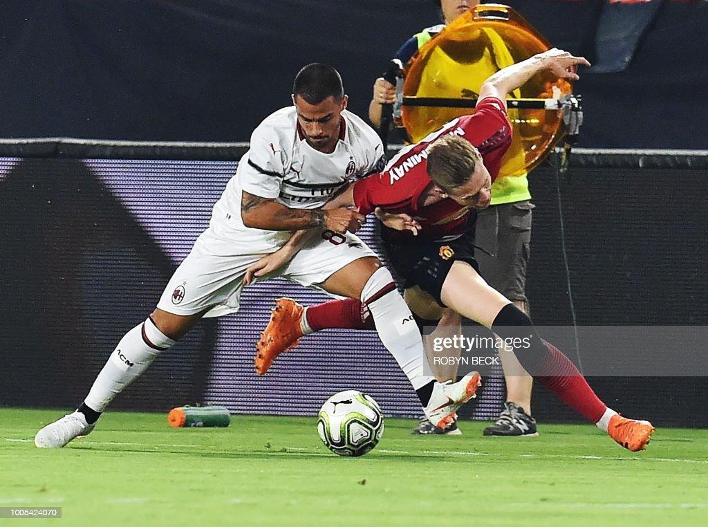 FBL-US-ICC-MILAN-MAN UTD : News Photo