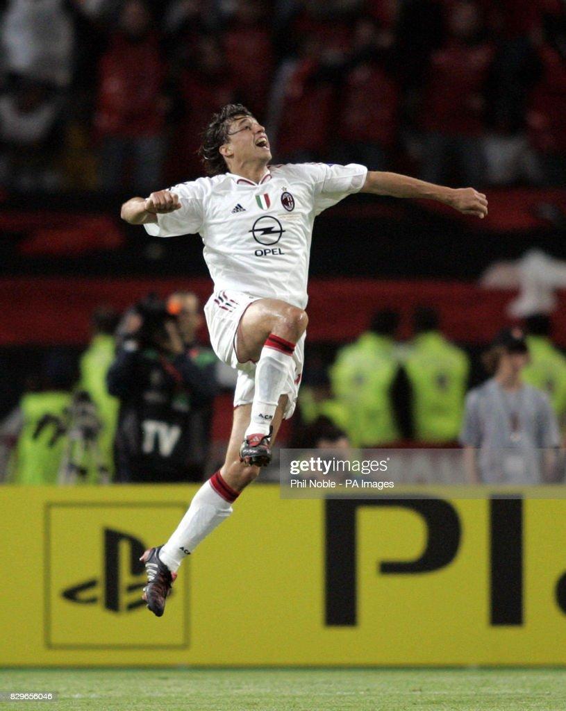 Soccer - UEFA Champions League - Final - AC Milan v Liverpool - Ataturk Olympic Stadium : News Photo