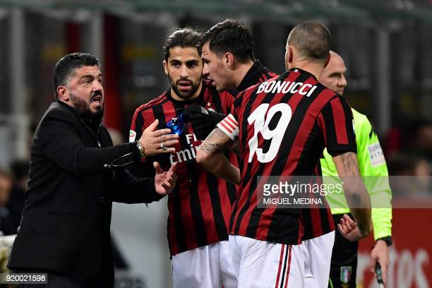 AC Milan's Italian coach Gennaro Gattuso speaks with his players during the Italian Serie A football match between AC Milan and Sampdoria at the San...
