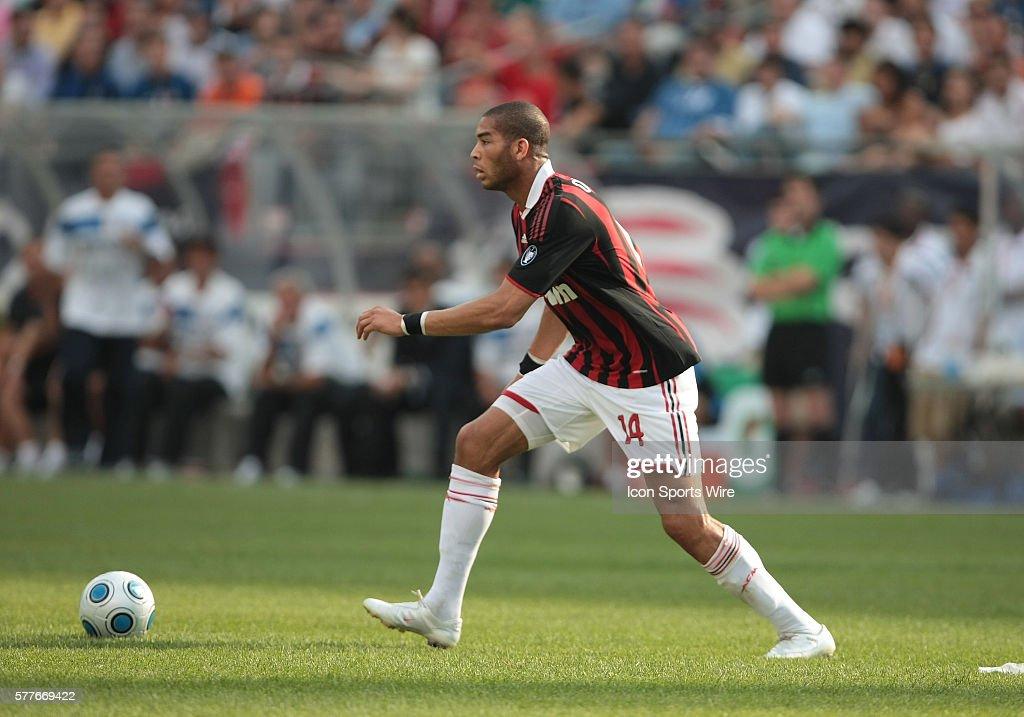 Soccer - World Football Challenge - AC Milan vs. Inter Milan : News Photo