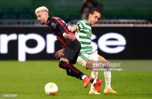 AC Milan's Samu Castillejo and Celtic's Diego Laxalt battle for the ball during the UEFA Europa League Group H match at Celtic Park Glasgow