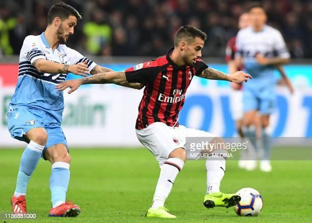 AC Milan's Spanish forward Suso controls the ball during the Italian Serie A football match AC Milan vs Lazio Rome on April 13 2019 at the San Siro...