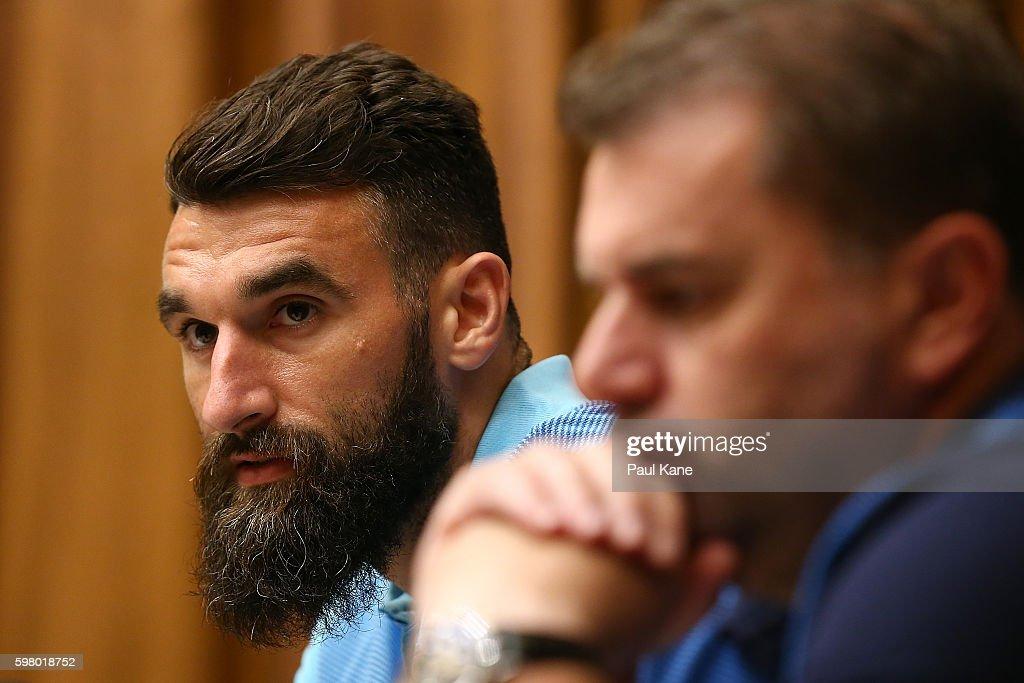 Socceroos Training Session : ニュース写真