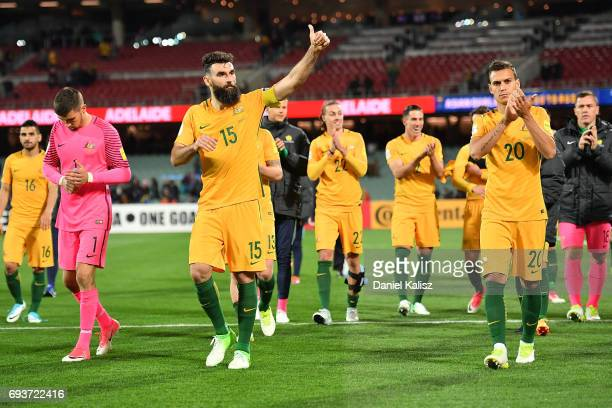 Mile Jedinak of Australia applaude the crowd after the 2018 FIFA World Cup Qualifier match between the Australian Socceroos and Saudi Arabia at the...
