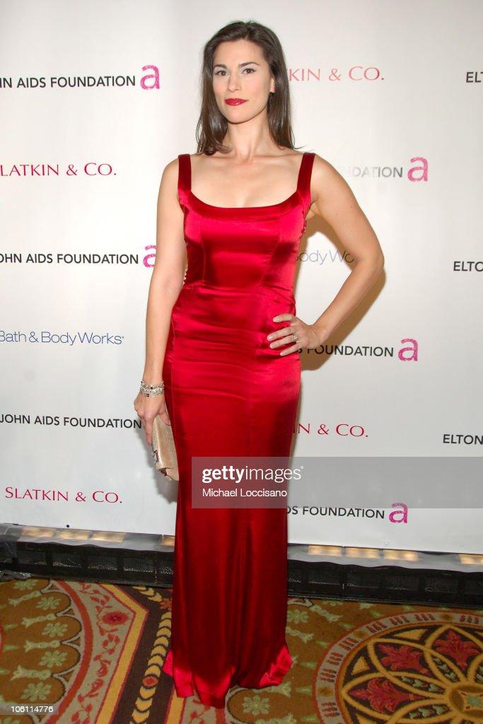 "5th Annual ""Elton John Aids Foundation"" Benefit: ""An Enduring Vision"" : News Photo"