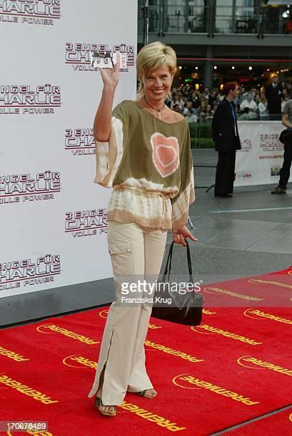 """Milena Preradovic Bei Der Deutschlandpremiere """"3 Engel Für Charlie - Volle Power"""" Im Cinestar Am Potsdamer Platz"""