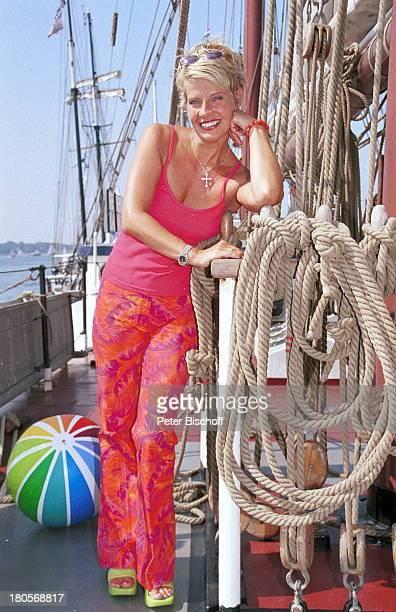 "Milena Preradovic, SAT.1-Segeltörn ""Sail;Away"", Dreimaster ""Mary Anne"", Kiel,;""Blücherbrücke"", ""Westufer"", ""Kieler;Woche"", Segelboot, Segelschiff,..."