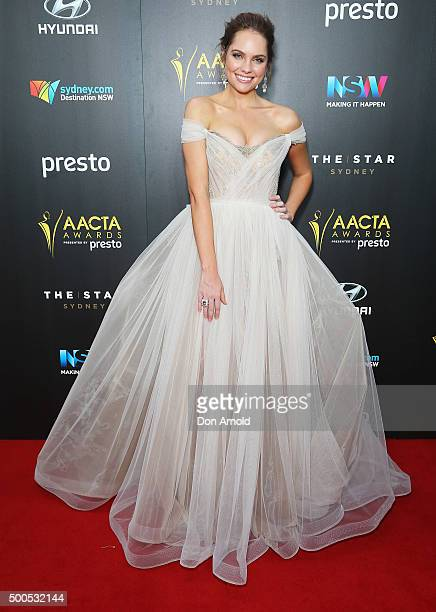 Milena Vidler poses on the red carpet for the 5th AACTA Awards at The Star on December 9, 2015 in Sydney, Australia.