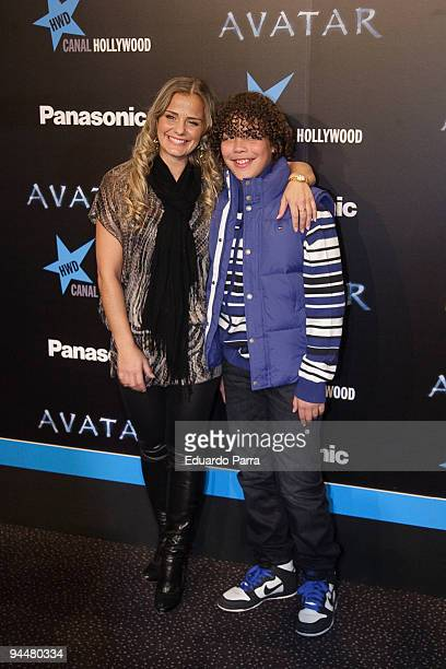 Milene Domingues and son attend Avatar premiere photocall at Kinepolis cinema on December 15 2009 in Madrid Spain