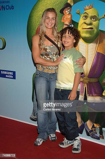 Milene Dominguez and son Roni attend the premiere of Shrek The Third on June 13 2007 at Palacio de la Musica Cinema in Madrid Spain