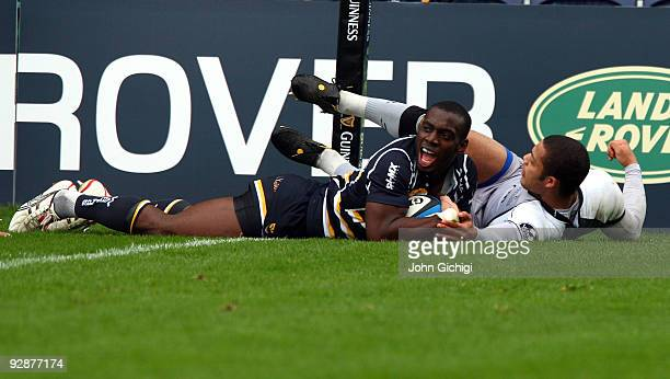 Miles Benjamin of Worcester scores a try during the LV Cup game between Worcester Warriors and Newcastle Falcons on November 7 2009 at Sixways...